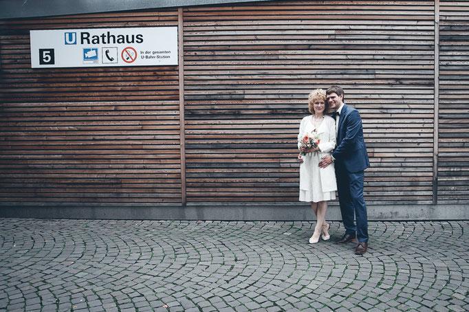 Kristina & Markus - Rathaus Köln, ganz klein und fein