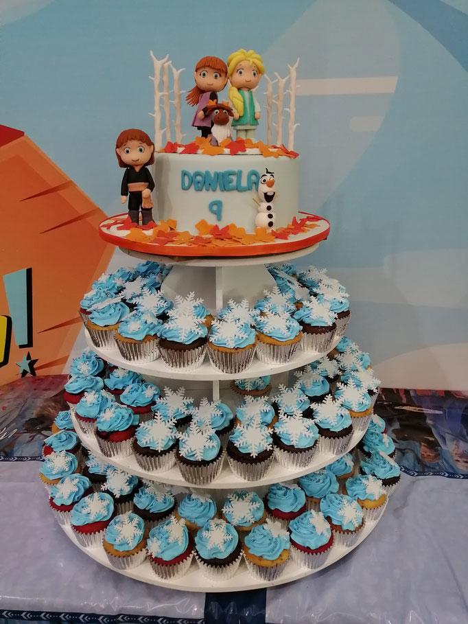 Torre de cupcakes frozen