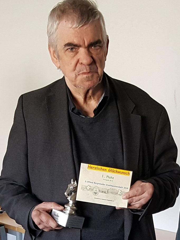 Hartmut Porth - Stadtmeister Bargteheide 2019 - mit 5/7 Punkten und der besten Feinwertung: (Bhw. 27) / Foto © Wolfgang Wilke