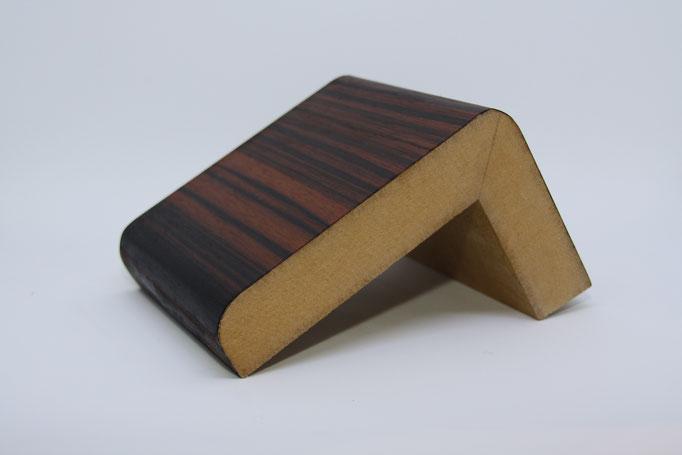 Winkelprofil - Einsatz: Bar Element, Träger: MDF, Oberfläche: Makassar Echtfurnier