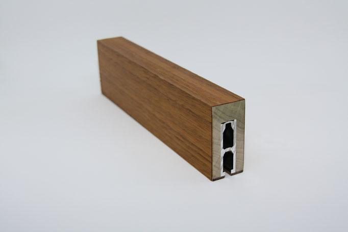 Profil mit Metallkern - Einsatz: Büro, Objekt, Träger: Massiv Eiche, Oberfläche: Echtholzfurnier