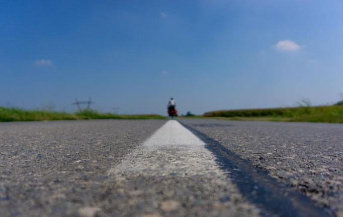 Lange, leere Straßen in Kroatiens verlassensten Ecken.