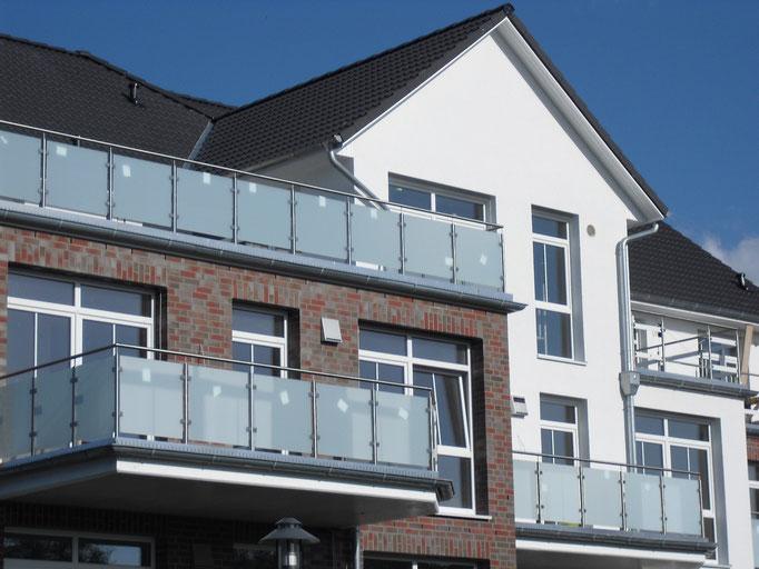 Zink Rinnen an Balkonen, 12 Familienhaus
