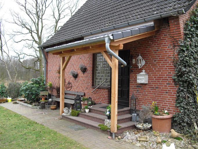 Vordach aus Lärchenholz