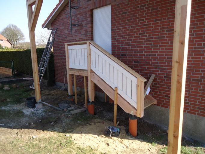 Punktfundamente für eine Außentreppe und einen Dachüberstand