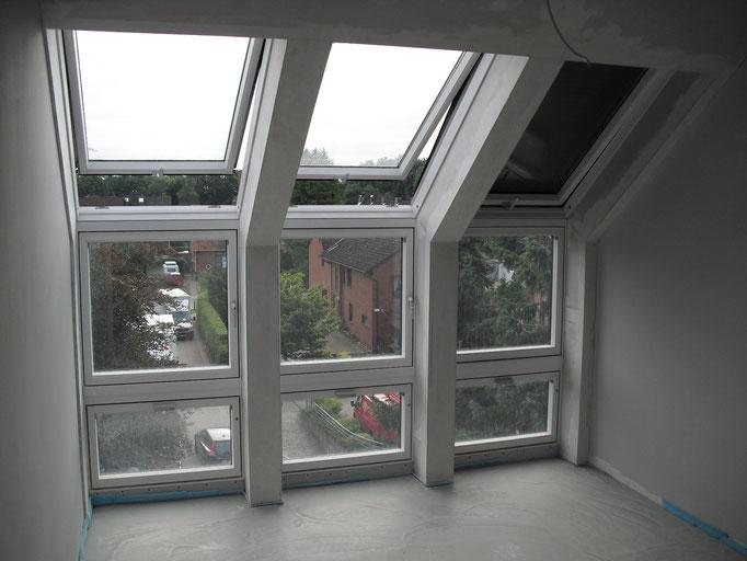 Laibungen der Veluxfenster mit Gipskartonplatten