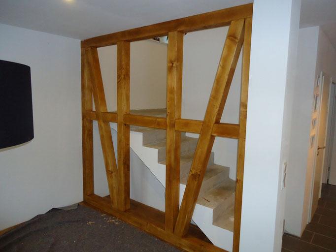Eichenholz Fachwerkwand als Raumtrenner / Treppengeländer