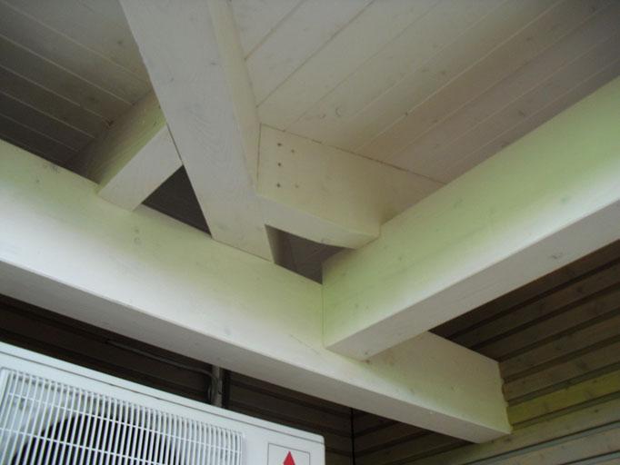 sichtbarer Dachüberstand Eckdetail Kehle