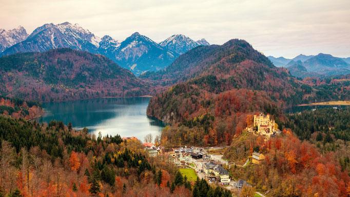 PURE.allgäu Neuschwanstein and Hohenschwangau castle in autumn