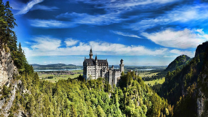 PURE.allgäu the beautiful Neuschwanstein castle