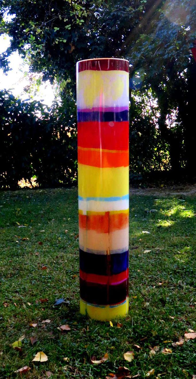 Ringelsöckchen 1, Glaszylinder 4 mm stark , innen mit Acrylfarbe bemalt, 1 m hoch, Durchmesser 20 cm