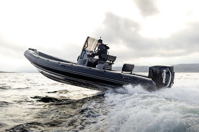 Zodiac PRO 7 RIB - Rubberboot Holland Aalsmeer