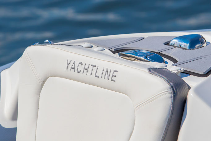 Zodiac Yachtline Deluxe 400 RIB for sale te koop Rubberboot Holland Aalsmeer