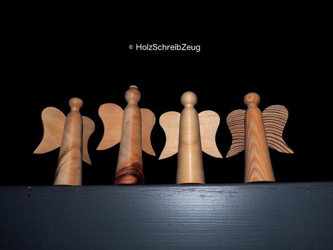 Engelfiguren aus Lärchen- und Zirbenholz