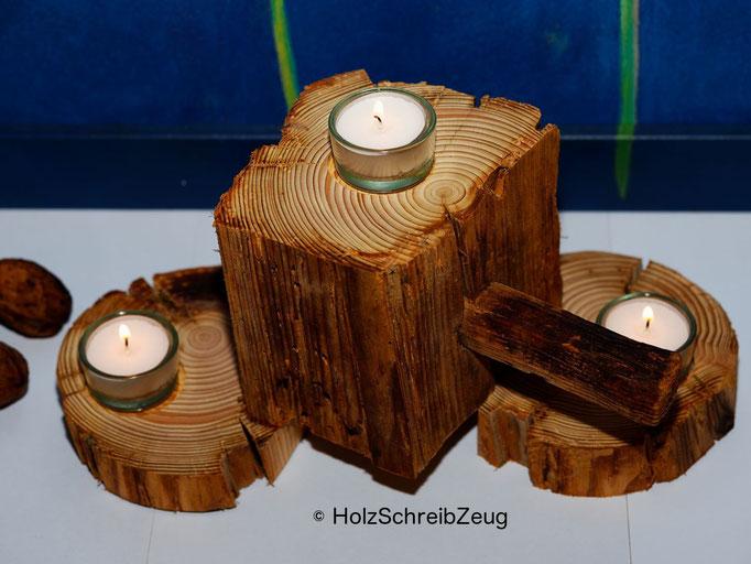 Kerzenständer aus einem aus dem 15.Jhd. stammenden Kirchenpfosten