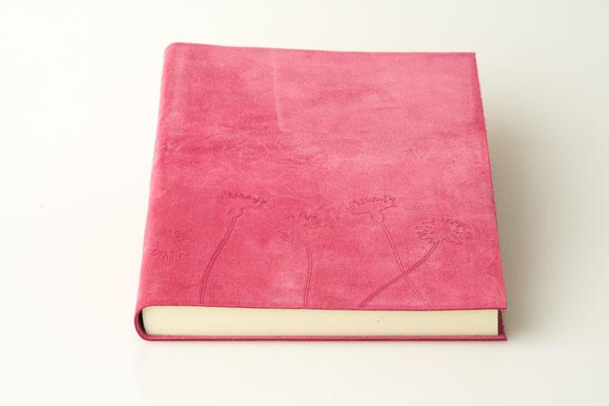 Schreibbuch Rindvelourleder mit Blinddruck 17 x 24 cm, 85.-