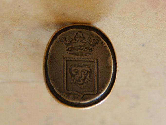 sceau en or armoirié