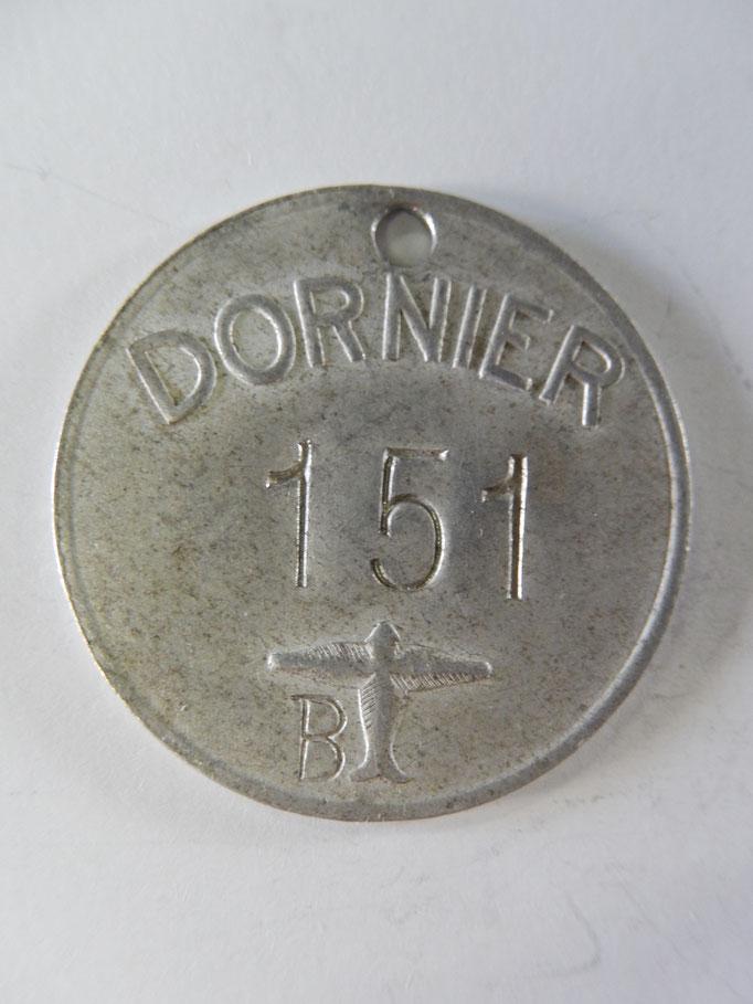 badge usine dornier 151    Prix : 80 euros
