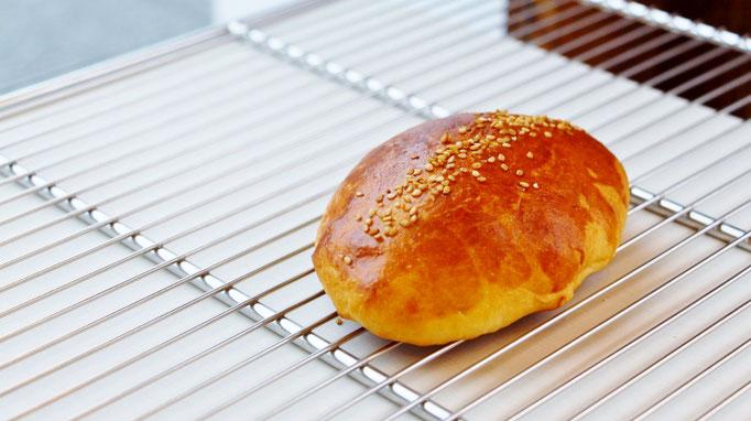 ごまと栗のパン
