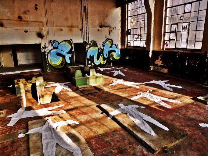 Pedro Meier – »Body Counting Nr. 20« – »Vor Jahren arbeiteten hier Menschen« – Performance – ArtCampus 2016 Attisholz Solothurn – Art Zürich Basel – Photo © Pedro Meier – Swiss-German Multimedia Artist – Gerhard Meier-Weg Niederbipp Bern Olten Bangkok