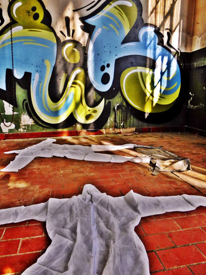 Pedro Meier – »Body Counting Nr. 26« – »Vor Jahren arbeiteten hier Menschen« – Performance – ArtCampus 2016 Attisholz Solothurn – Art Zürich Basel – Photo © Pedro Meier – Swiss-German Multimedia Artist – Gerhard Meier-Weg Niederbipp Bern Olten Bangkok