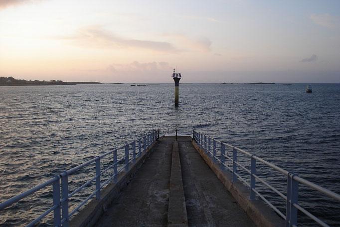 Le bout de l'embarcadère sous l'eau