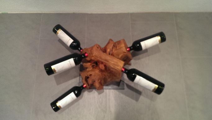 Weinständer aus Wurzelstock Apfelbaum
