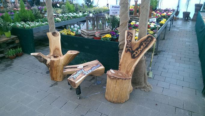Sitzgruppe Apfelholz mit Beistelltisch