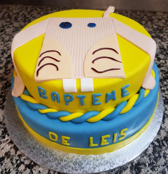 Event Cake réalisé pour un baptême avec reproduction du doudou