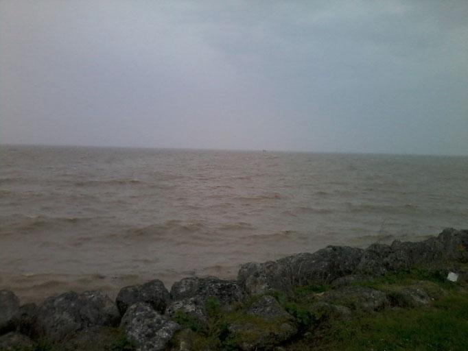 grande marée dans le medoc