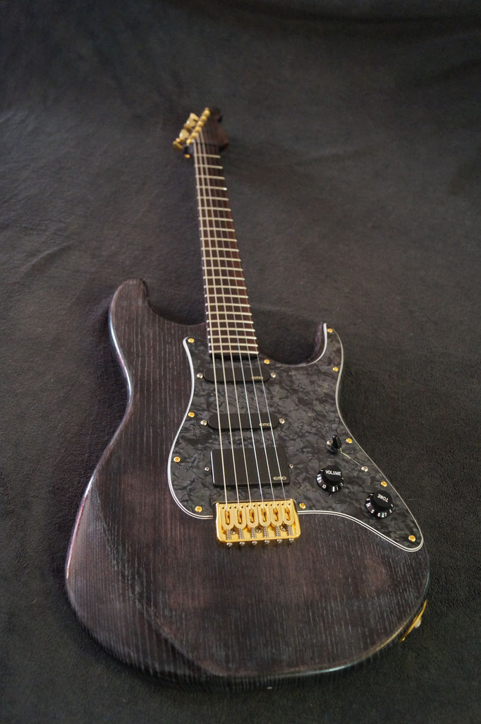 Création guitare type stratocaster
