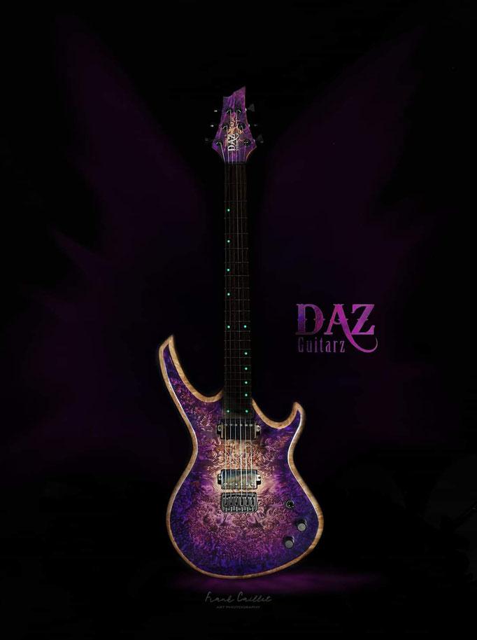 Création guitare Purple six vue de face