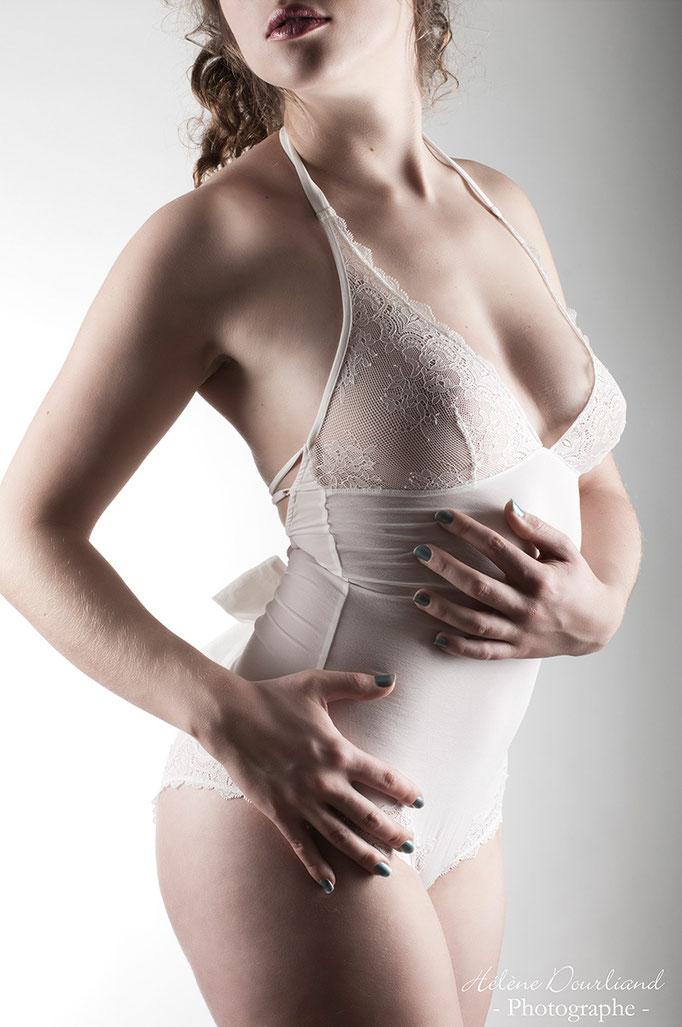 Photographe disposant d'un studio propose de réaliser votre Book lingerie
