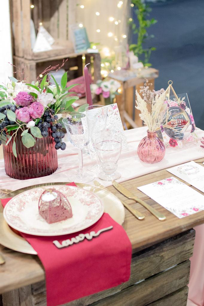 Décoration Mariage bordeaux rose doré