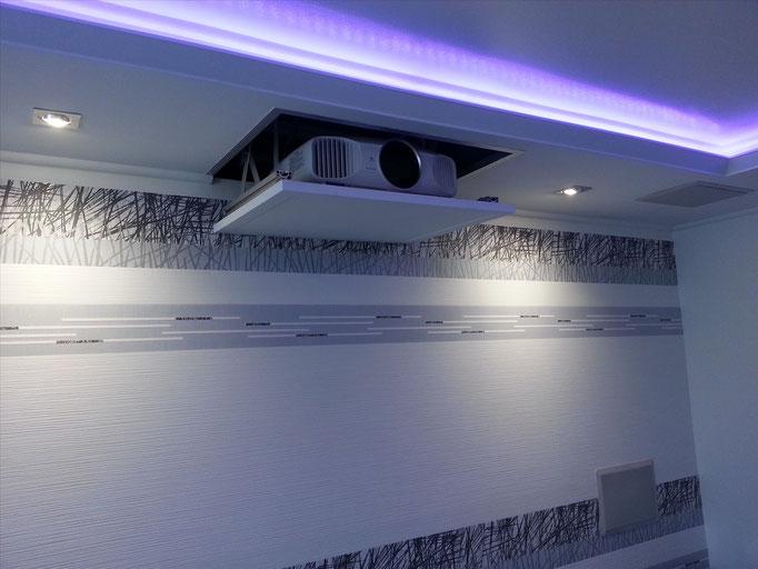 Bau eines Beamerlift & Indirekte Beleuchtung