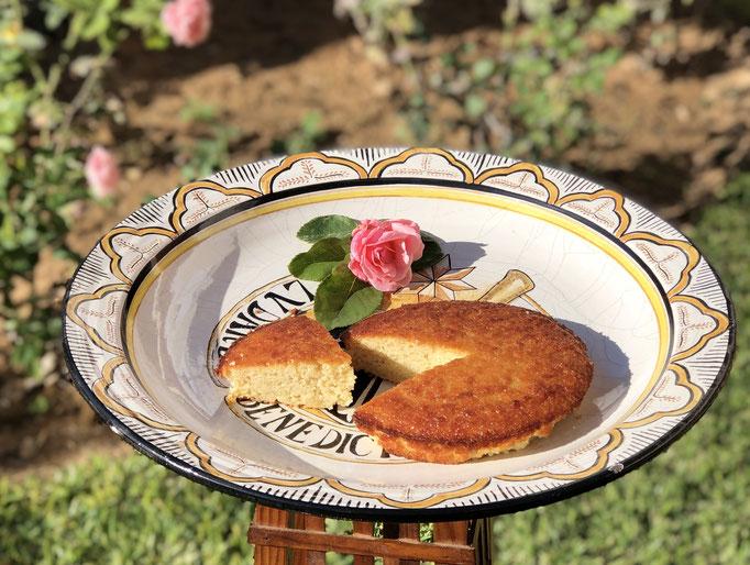 Torta Real. Dulce de almendras, especialidad de la casa. No contiene gluten. 8´00€ unidad