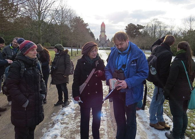 Am Samstagvormittag hatte der NABU Leipzig zur Stunde der Wintervögel auf dem Südfriedhof eingeladen.