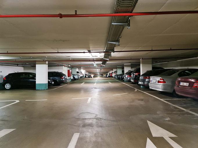 Günstig parken am Flughafen in Frankfurt am Main am überdachten und bewachten Stellplatz