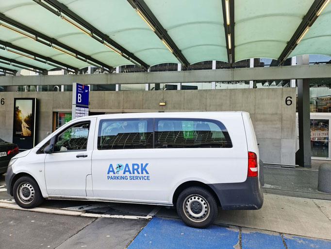 Parken und mit kostenlosem Shuttle Service zum Flughafen in Frankfurt am Main