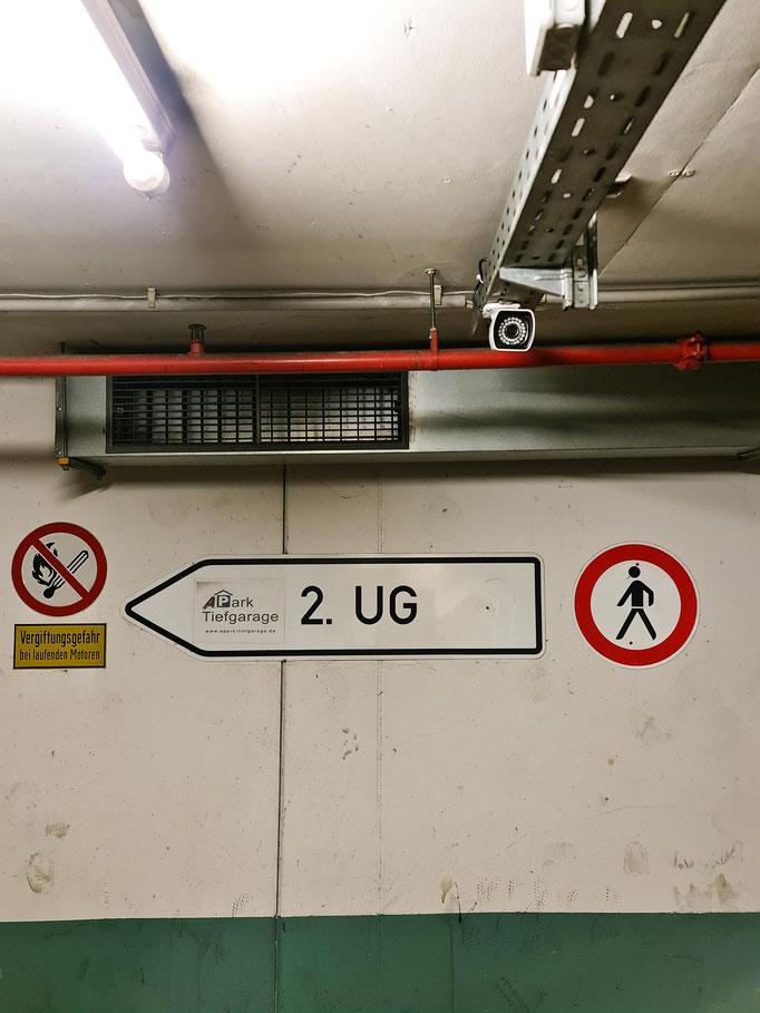 Bewachtes und überdachtes parken am Flughafen in Frankfurt am Main