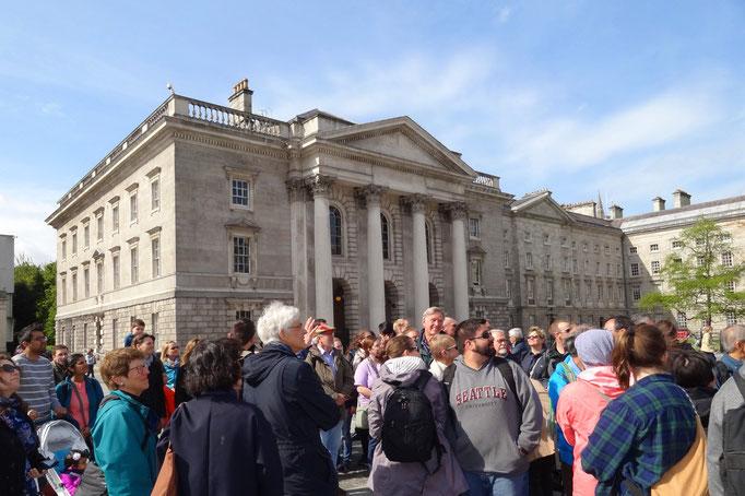 Führung durch das Trinity College.