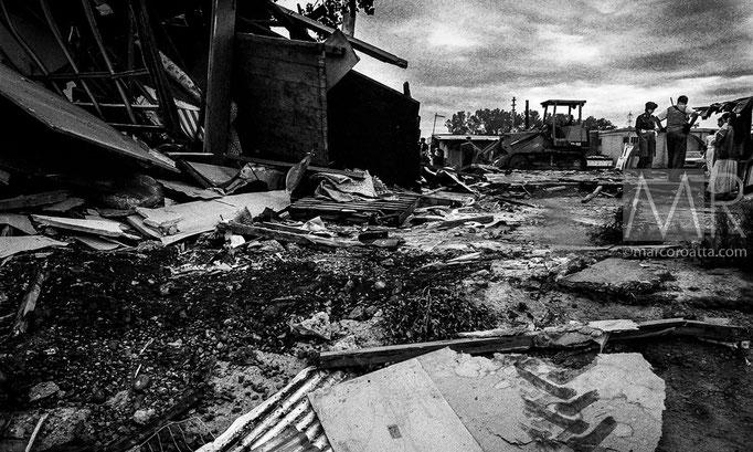 Alcune delle abitazioni demolite dalla ruspe - Torino