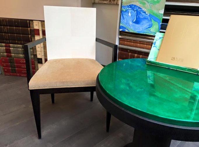 Tavolo, sedia pergamena Tura