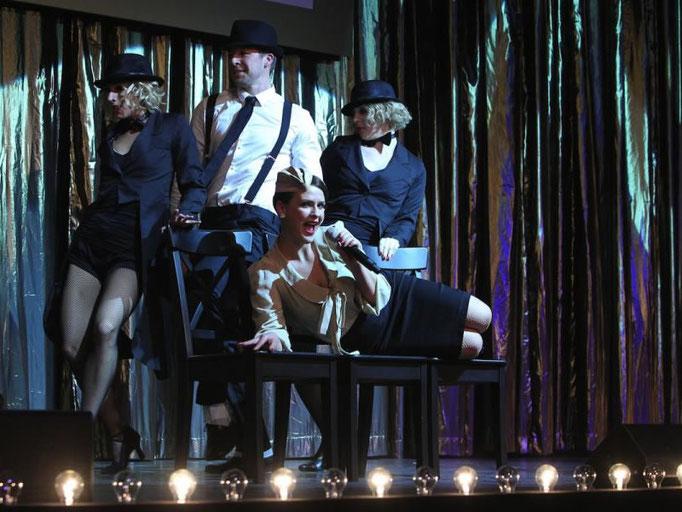 Gatsby Party mit hervorragenden Tänzern und Charly Chaplin.