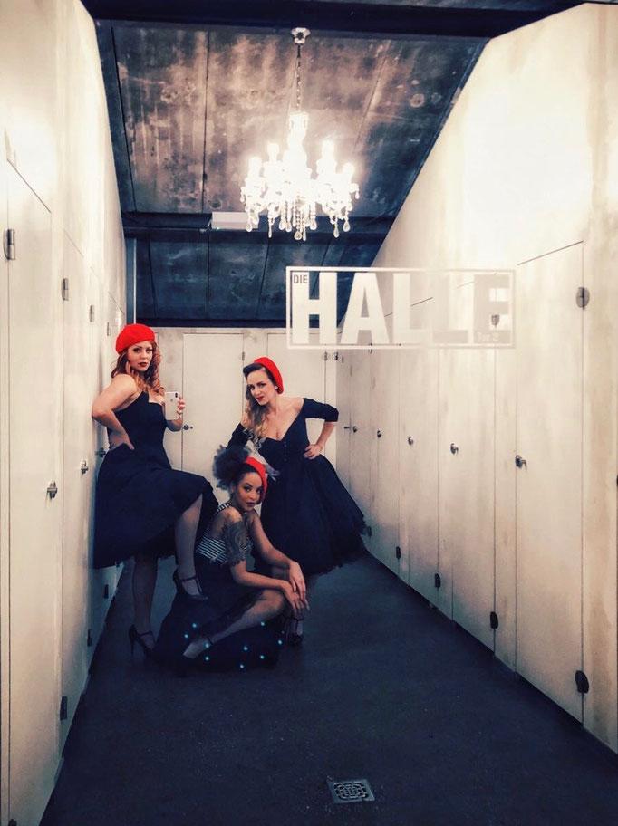 """Die Gala Band Lou's The Cool Cats auf der Cancom Weihnachtsfeier in der """"Die Halle, Tor 2"""" in Köln."""