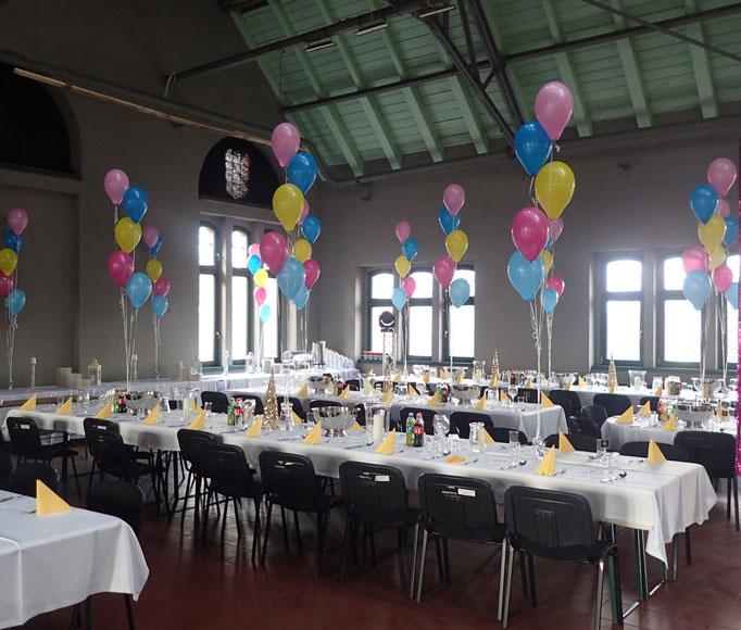 balony z ciężarkami na stoły