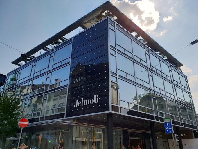 Das bekannte Kaufhaus an der Zürcher Bahnhofstrasse