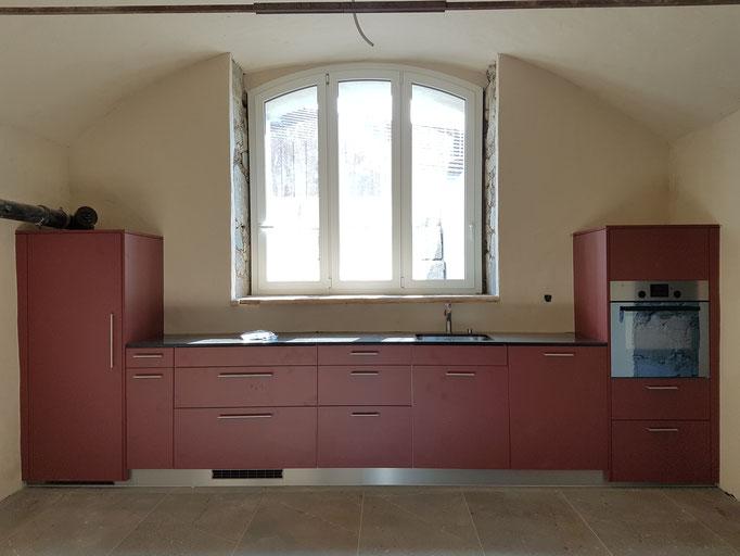 Eine Wohnung mit dazugehöriger Küche im uralten Gewölbe war für uns Mass- und besonders Anpassarbeit auf hohem Niveau.