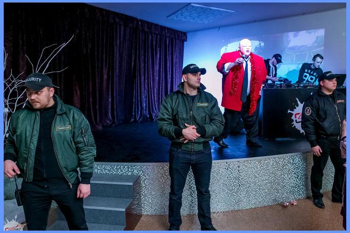 Работа в ночном клубе охранником в спб пилот ночной клуб москва