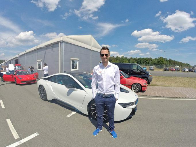 BMW i( Elektro Sportwagen Motorsport Event